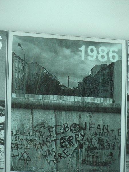 panorama da Bernauer Strasse con il muro