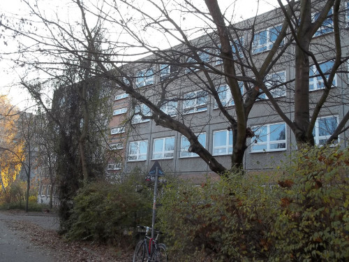 Ernst-Thälmann-Park scuole