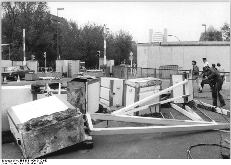 Chaussestrasse, demolizione del passaggio di confine. foto Peer Grimm